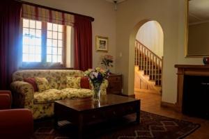 Oak Tree Lodge Entrance