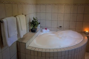 Oaktree Lodge Bubble Bath