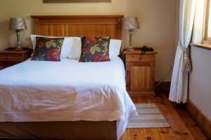 Oak Tree Lodge Cosy Double Bed