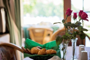 Book Now and enjoy a lovely table served breakfast