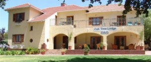 Oak Tree Lodge Front View Entrance