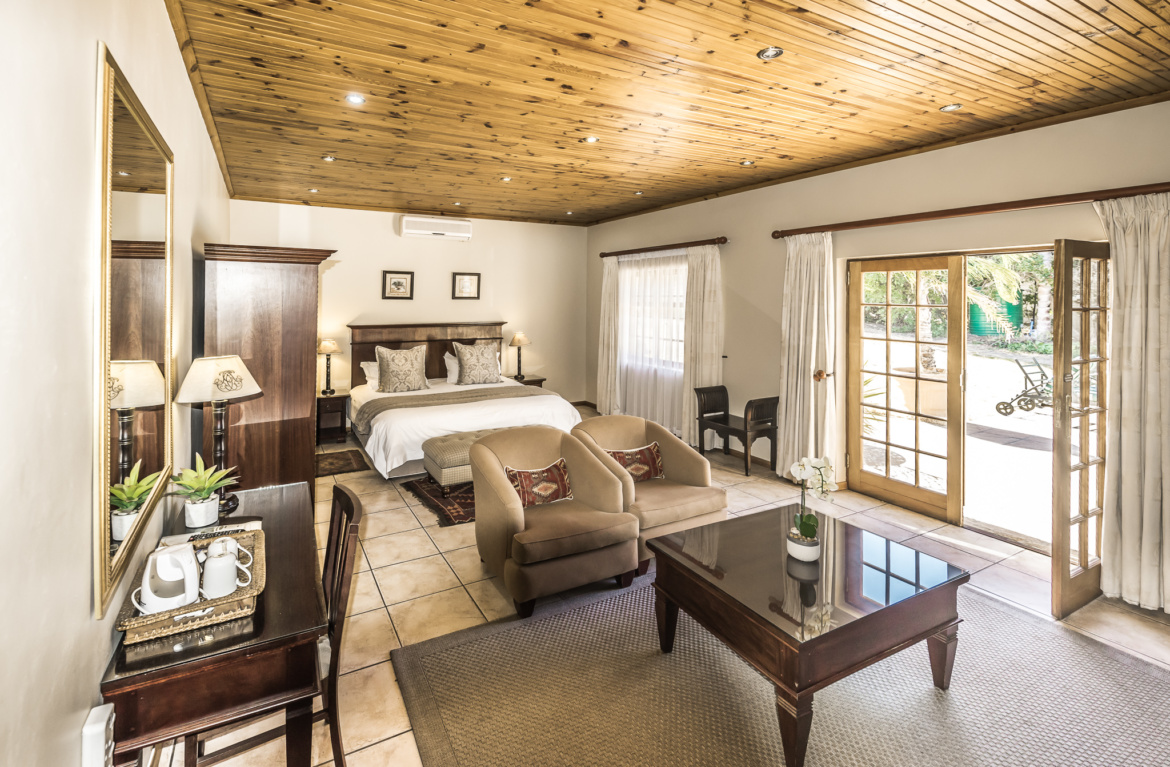 Oak Tree Lodge Paarl Double Room Garden View