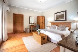 Oaktree Lodge Paarl Neat Standard Rooms