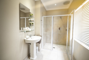 Oaktree Lodge Paarl Standard Room With Shower