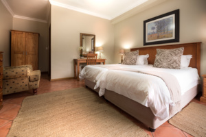 Oaktree Lodge Paarl Standard Rooms Winelands Escape