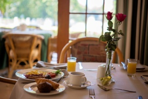 Oak Tree Lodge Breakfast