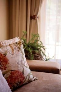 Oaktree Lodge Decorative Cushion