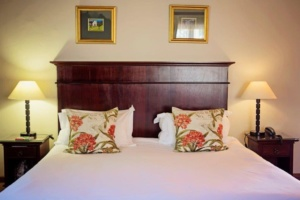 Oak Tree Lodge Double Bed