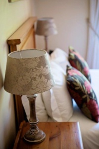 Oak Tree Lodge Damask Lamp