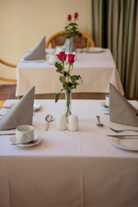 Oaktree Lodge Table Setting-1