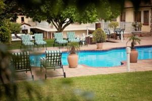 Oak Tree Lodge Pool