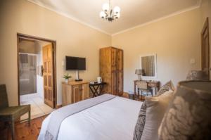 Oak Tree Lodge Standard Hotel Room