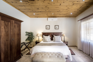 Oak Tree Lodge_Double Room With View Paarl