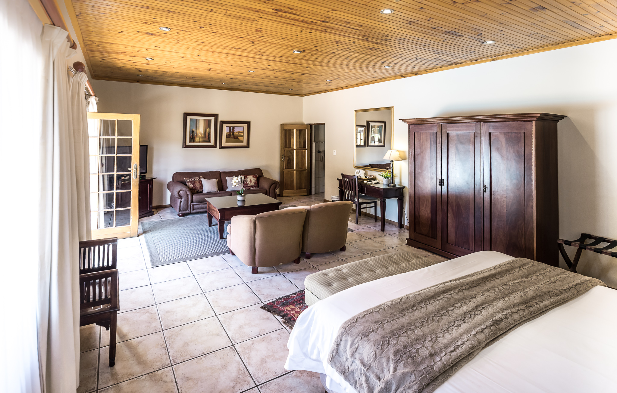 Oak Tree Lodge_Paarl Double Room With View Side View