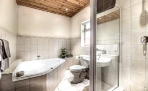 Oak Tree Lodge Garden Room Extra Room