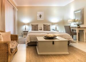 Oaktree Lodge Paarl Standard Room Accommodation