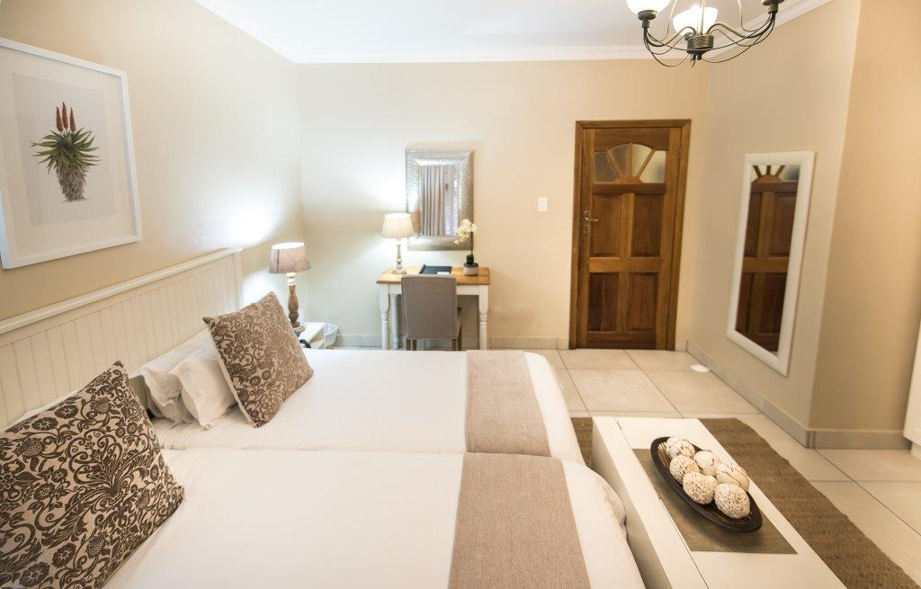Oaktree Lodge Paarl Standard Rooms _ Tourists
