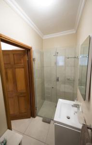 Oaktree Lodge Paarl Standard Rooms _En-Suite